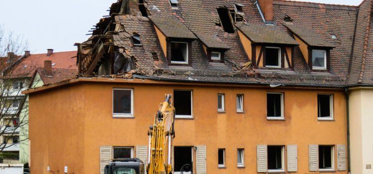 Czy remontowanie starego domu się opłaca? Kompletny przewodnik po remoncie starego domu