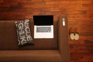 Jak odnowić starą podłogę w mieszkaniu
