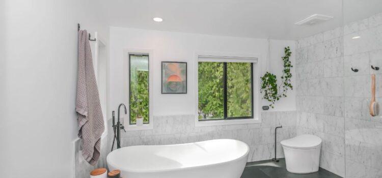 5 powodów, dla których warto mieć sufit podwieszany w łazience